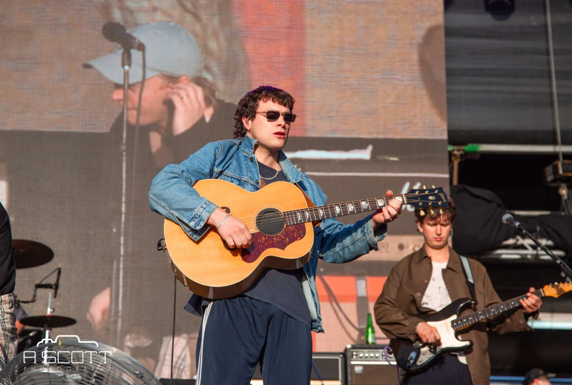 DMAs @ Groovin The Moo, Maitland Showgrounds, Saturday 27 April 2019
