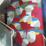Tutti diversi, tutti uguali il muro di Lucamaleonte per Stravagante Hostel | Collater.al 7