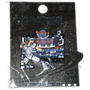 Girls _And_ Droids Regional Series Ny Yankees Hard Rock Cafe star Wars Rip-off Pin