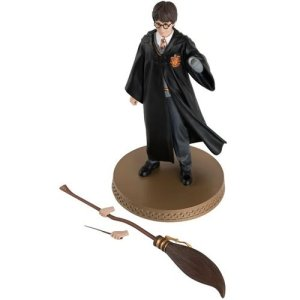 Harry Potter Wizarding World Collection Harry Potter and Wand/Broomstick Mega Figure with Collector Magazine