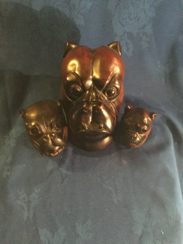 Treen bulldog head pieces