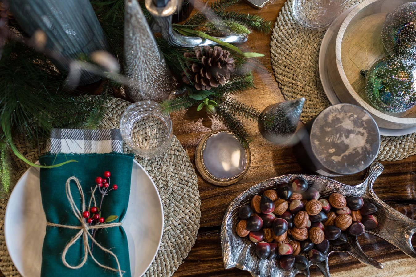 https://www.collectivedg.com/blog/how-to-decorate-your-home-for-the-holidays