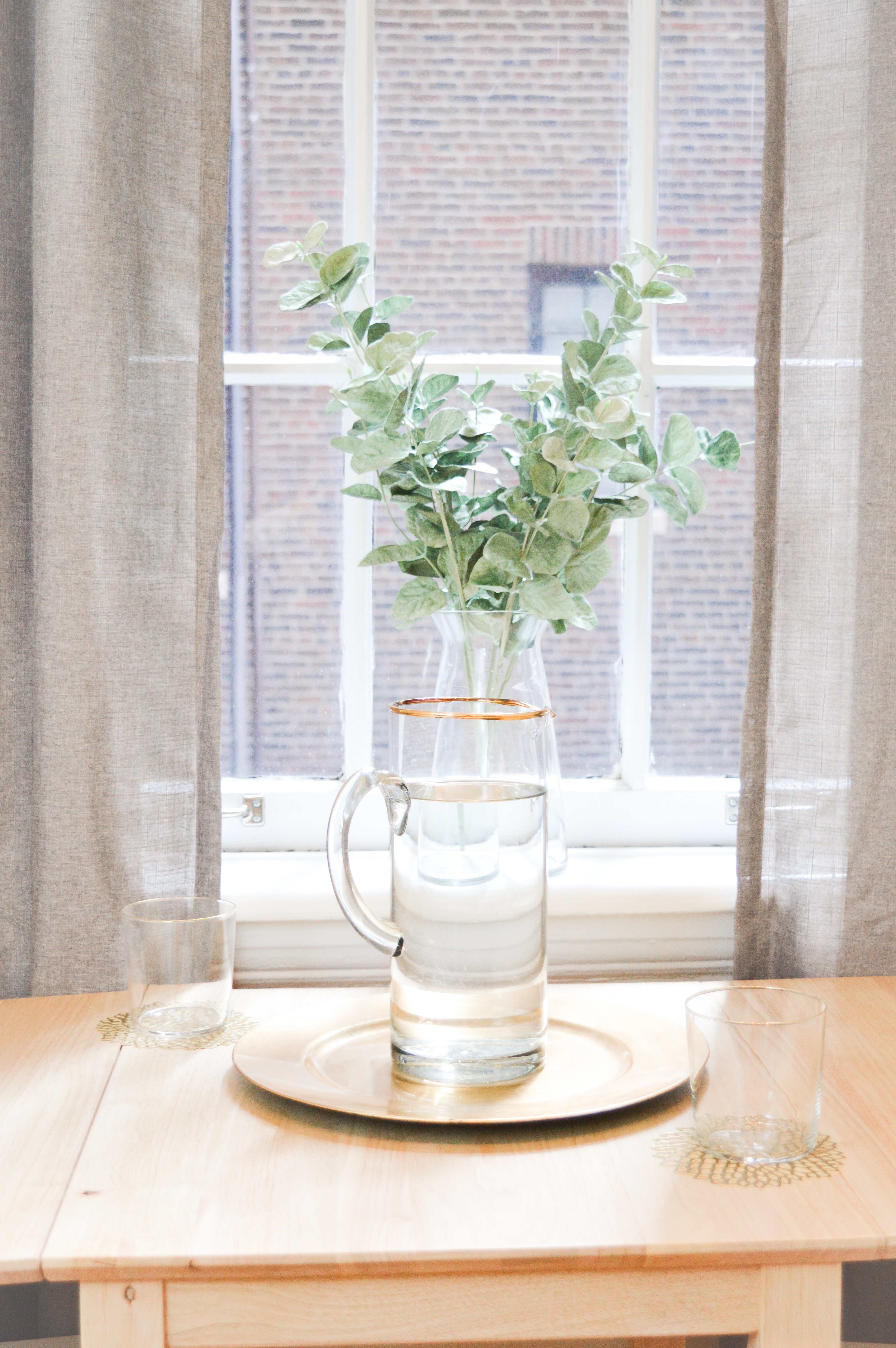 Easy Tabletop Decor for a First Apartment