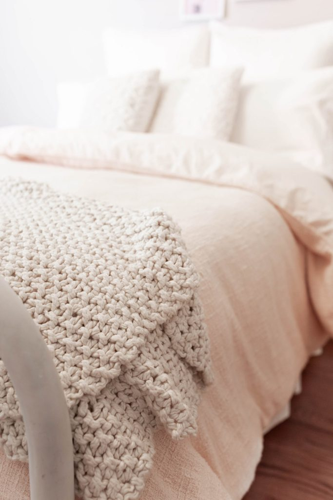 Chunky Knit Blanket and Blush Duvet Cover