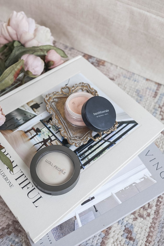 Acne-Safe and Clean Setting Powders