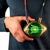 MARVEL LEGENDS SERIES DOCTOR STRANGE EYE OF AGAMOTTO - lifestyle (2)