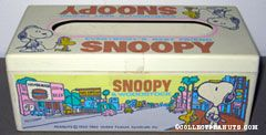 Snoopy & Woodstock on busy city street Tissue Box Cover