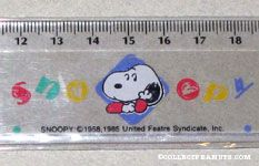 Snoopy leaning in Diamond ruler