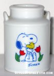 Snoopy & Woodstock hugging with flowers small Vase