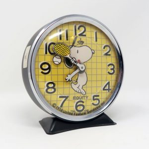 A Snoopy Clock to illustrate the abstract idea of time