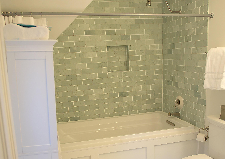 <span></span>Classic Marble Bath