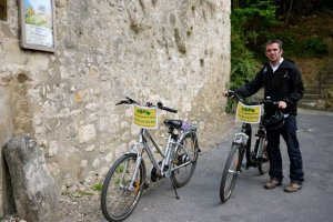 Romuald Bournonville electric bike rentals in Auvers sur Oise