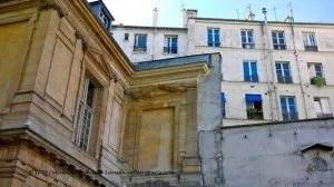 Hotel Bouthillier de Chavigny-Caserne de Sévigné-wall