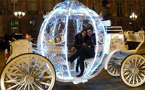 Say I love you in Cinderella's carriage - Porpose in Paris