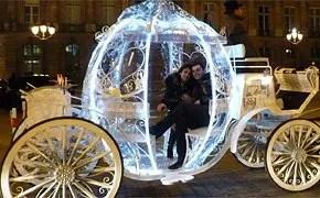 Say I love you in Cinderella's carriage - Porpose in Paris