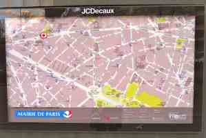 Paris map on every sansisette/toilet; othere in the vicinity