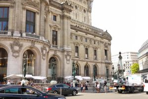 Exterior view of Opera Restaurant - Palais Garnier - outdoor plaza