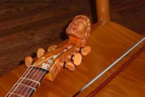 Viol (viola da gamba) - male head