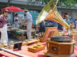 Record player with horn at the Aligre Flea Market in the 12th arrondissement of Paris