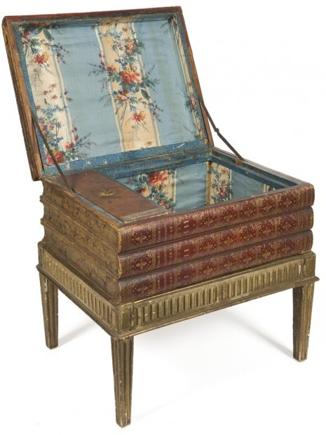 """Tabouret d'aisance - tabouret d'affaires-Tabouret d'aisance - tabouret d'affaires The stool was a low seat upon which an accused would sit for interrogation. Thus, the expression """"to be put on the hot seat"""" or also a reference to a toilet activity."""