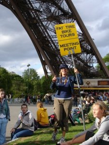 Meet at the yellow sign Eiffel Tower south leg