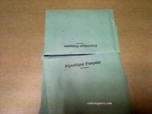 The small blue envelope for voting with the words République Française