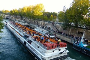 Choose your boat: David or Goliath ;-) Bateaux-Mouches, Batobus, and barges