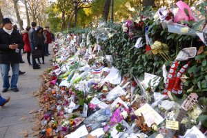 Bataclan flowers and symbols
