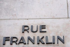 Sign on wall for Rue Franklin in Art Déco lettering, Passy, Paris