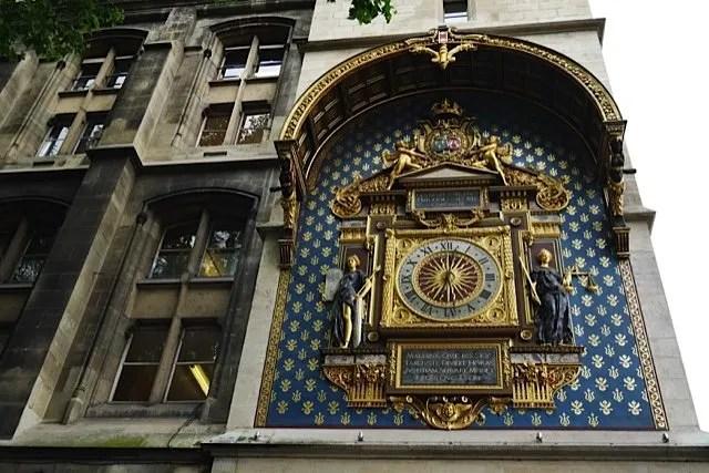 April_Conciergerie_Horloge_642