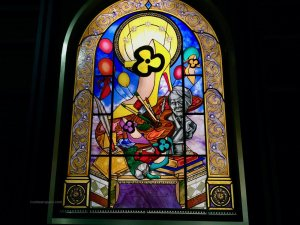 Eight stained glass windows at the Exhibition(iste) Christian Louboutin