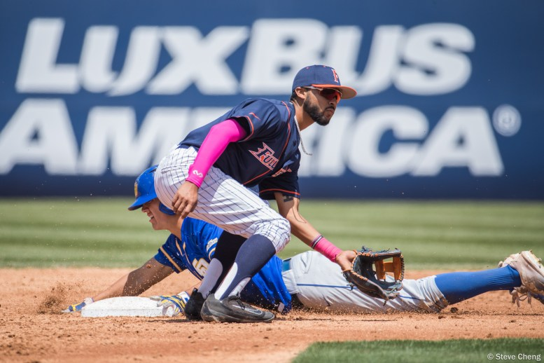 Tommy Jew steals 2nd base in the 3rd inning. CSUF defeated UCSB 12-3, Fullerton, CA, May 14, 2017. Photo by Steve Cheng, BHEphotos.