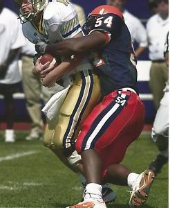 DE Dwight Freeney makes a stop vs. Georgia Tech in the 2001 Kickoff Classic.