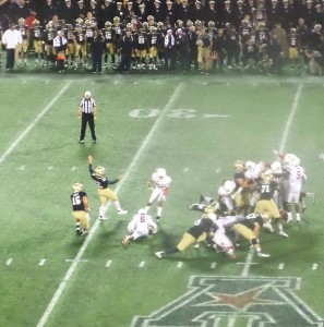 USNA's Bennett Moehring nailed a 40-yard FG as the first half came to an end.