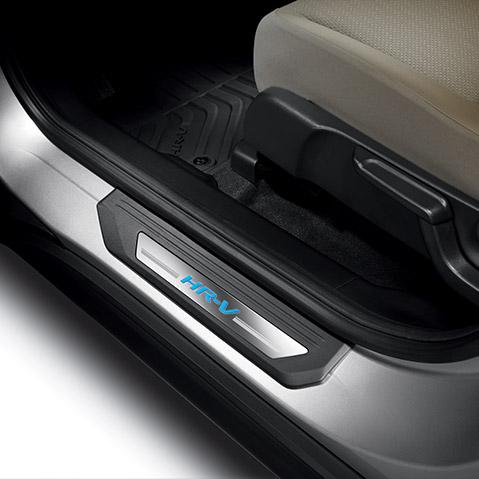 2016 2019 Honda HR V Illuminated Door Sill Trim 08E12