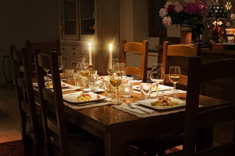 candlelit dinner table