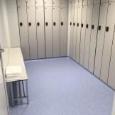 Vestuario con pavimento vinílico (PVC) antideslizante