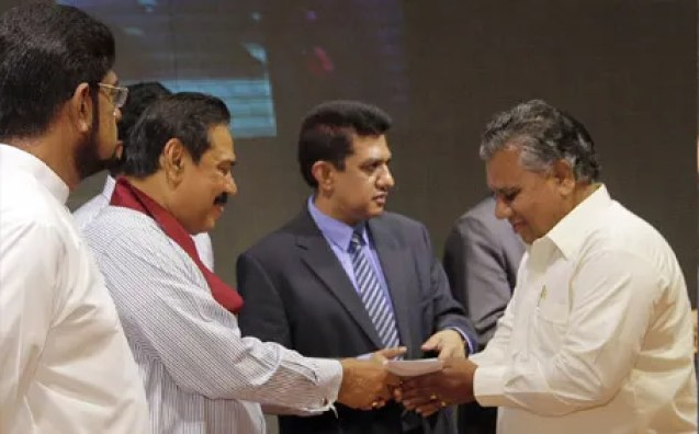 Editors receives interest free car loan from Ex-President Mahinda Rajapaksa