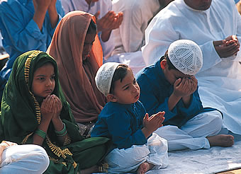 muslim-family-at-eid