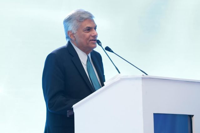 ranil-w-pic-supplied-by-his-medai-on-16112016