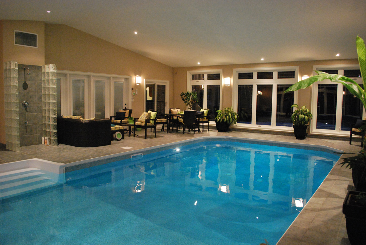Grounds & Indoor Pool « Colonial Creekside | Grand Guest House Bed ...
