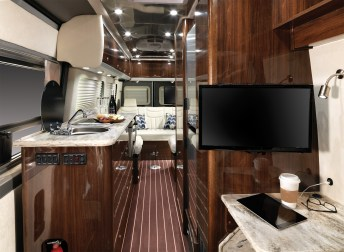 2015 Airstream Interstate: Grand Tour
