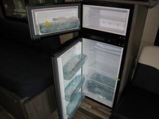 Top Bottom Refrigerator Freezer