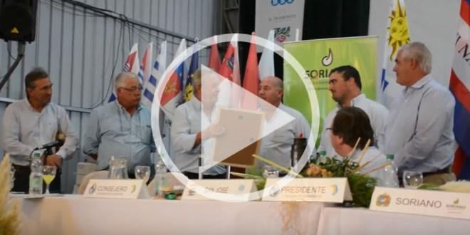 Palabras del Intendente en entrega de placa a la Asociación Rural de Soriano