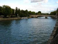 Les quais, la Seine!