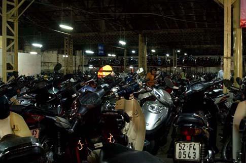 Le parking du magasin Tax, Ho Chi Minh, Vietnam