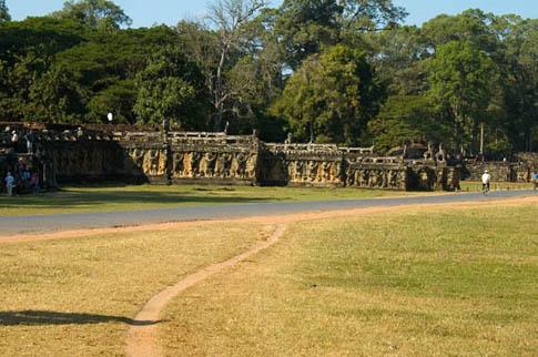 Angkor Thom - Terraces