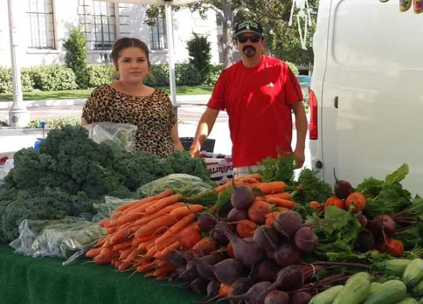 Pasadena Villa Parke and Victory Park Farmers' Market Are Open