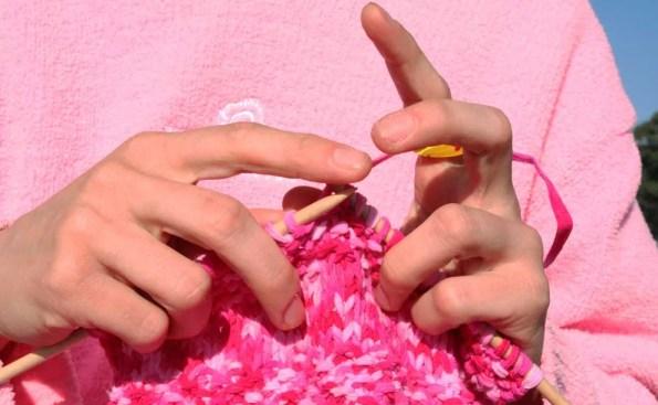 Knitting (Photo - Johntex, Wikimedia Commons).