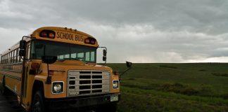 A school bus in Colorado by Pravesvuth Uparanukraw via Flickr: Creative Commons